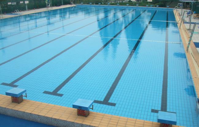 游泳池尿素超标,还敢游吗?不合格泳池清单公布