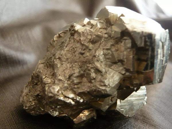 贵金属矿检测